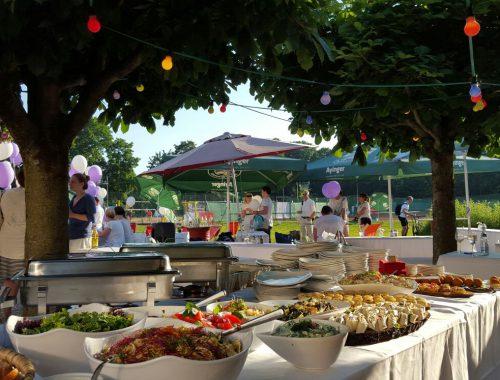 Sommerfest im Freien mit Buffet