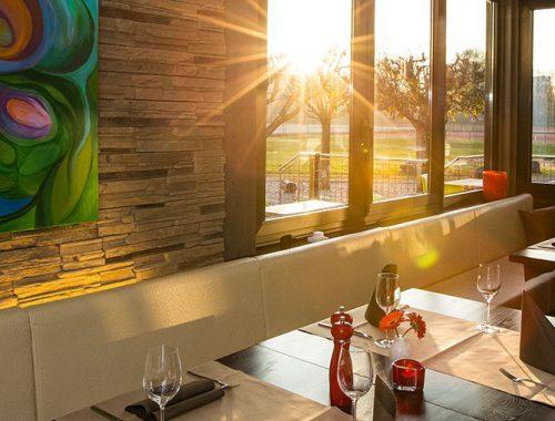 Das Restaurant bei Abendsonne